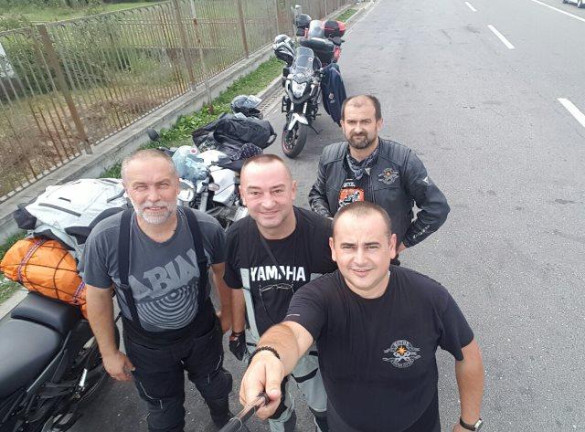 Ekipa na Srb granici